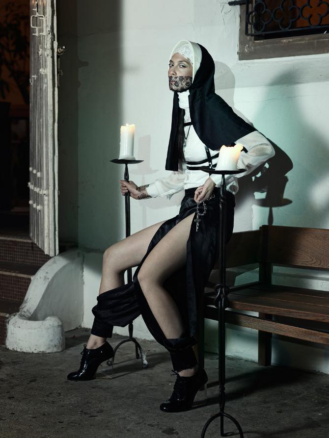Секс монахи смонашками